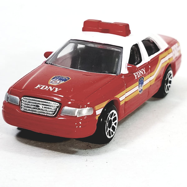 Daron FDNY Fire Dept Fire Chief Ford Crown Victoria 1/64 S Scale New York Cit...