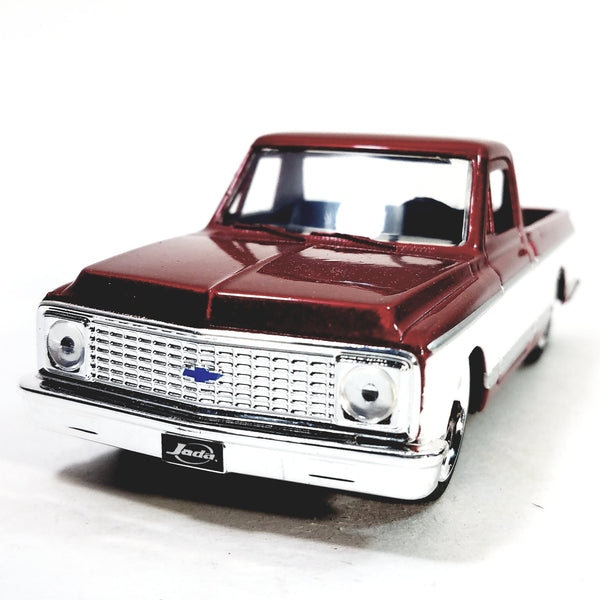 Jada Just Trucks Red 1972 Chevy Cheyenne Pickup Truck  1/32 Scale Diecast