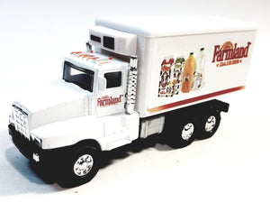 Showcasts International Farmland Dairies Produce Box Truck 1/48 Scale Diecast Truck