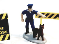 DARON New York City NYPD Policeman Dog Figure (1) Signs(3) Accessory Set 1/64 S Scale (No Box)