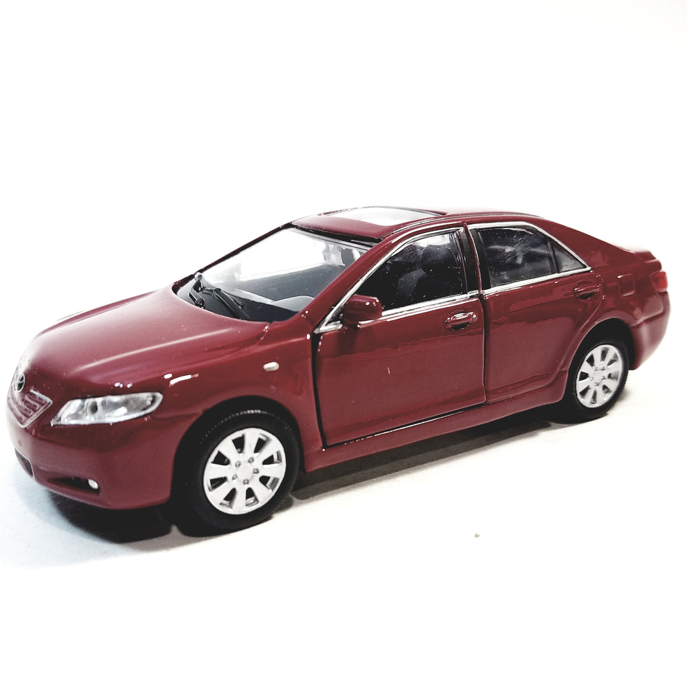 Welly. Toyota Camry Candy Apple Red 2 Door Hard Top 4.5