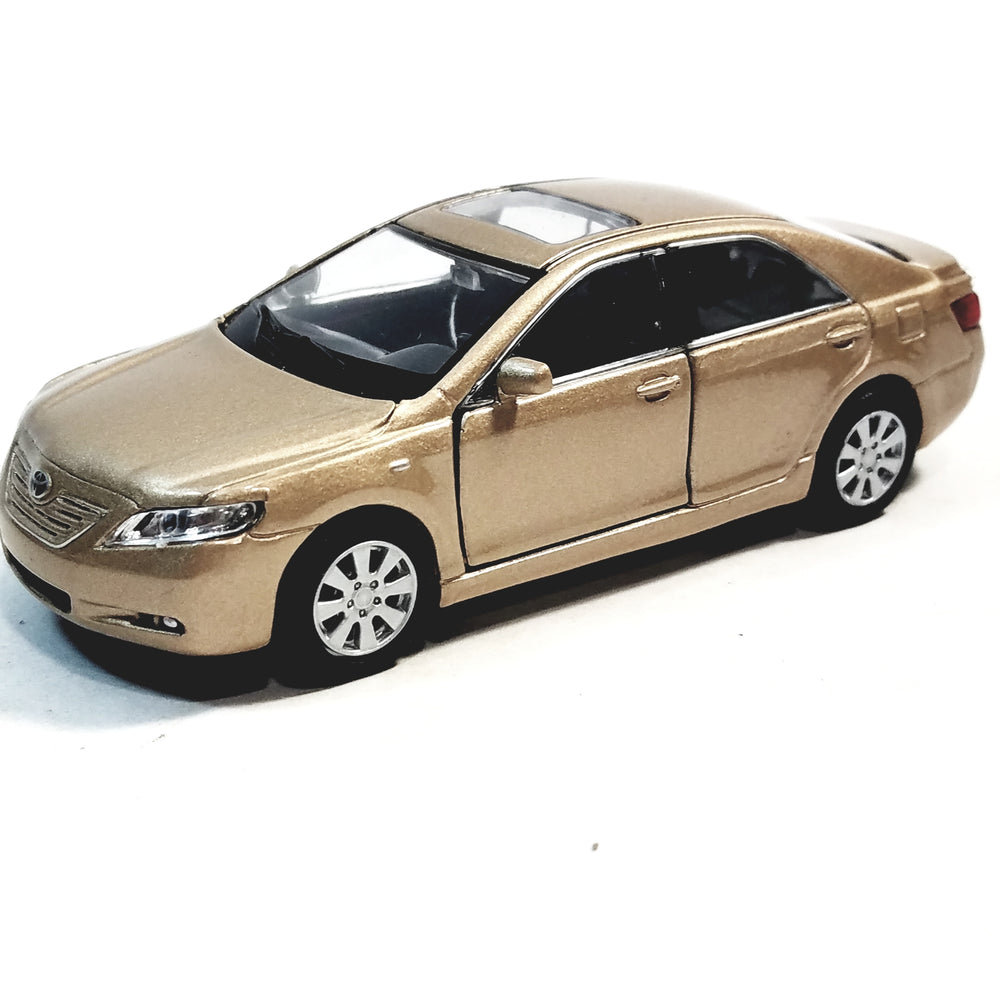 Welly. Toyota Camry Tan 2 Door Hard Top 4.5