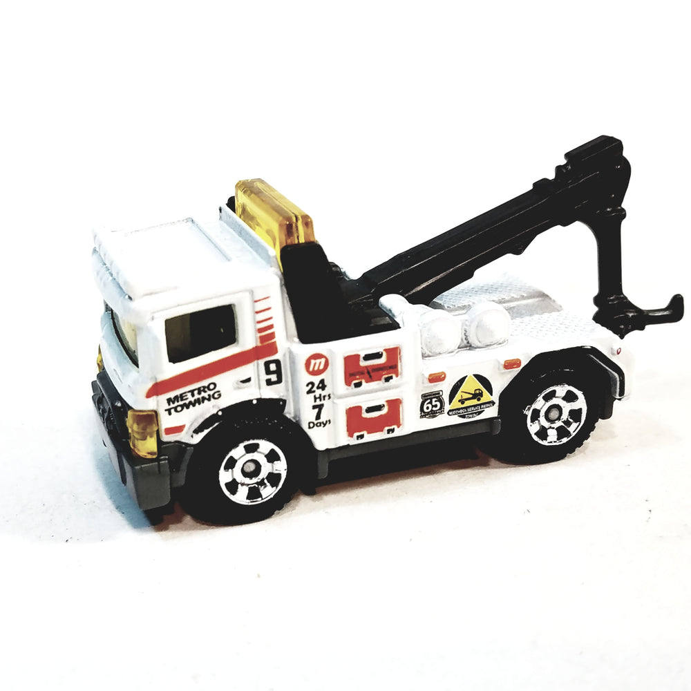 Matchbox Limited 2018 White Metro Transit Wrecker 1/64 S Scale Diecast Urban Tow Truck