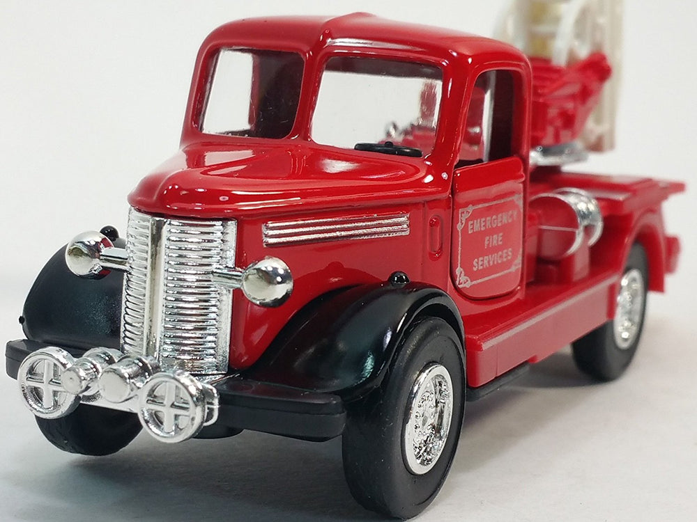 Showcast Classic Red & Silver Fire Engine with Ext Ladder 6
