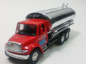 "Showcasts International Red Transport Silver Oil Tanker 5"" Diecast"
