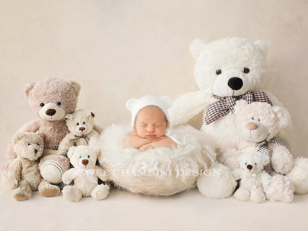 Newborn Digital Backdrop - Cream Teddy Bears