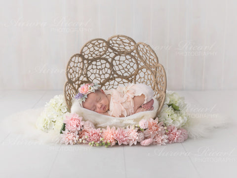 Newborn Digital Backdrop - Wicker basket with pink and white flowers