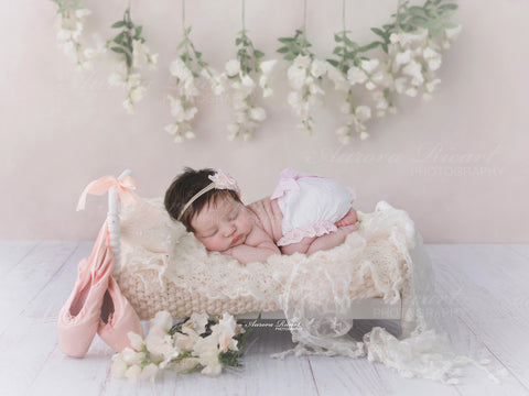 Newborn Digital Backdrop - Little bed with ballet slippers