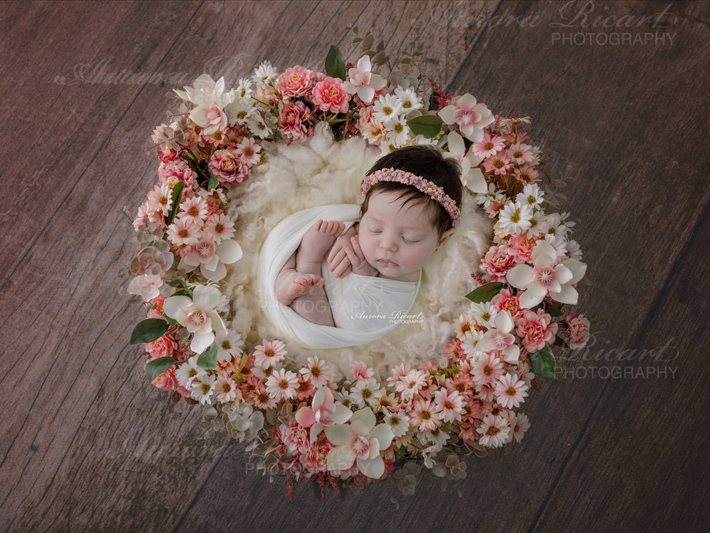 Newborn Digital Backdrop - Pretty pink and white floral wreath