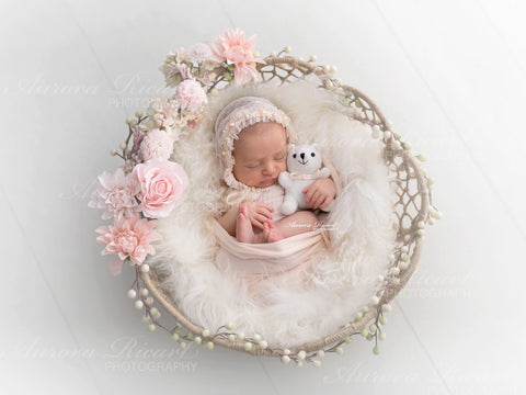 Newborn Digital Backdrop - Little simple basket with pink flowers