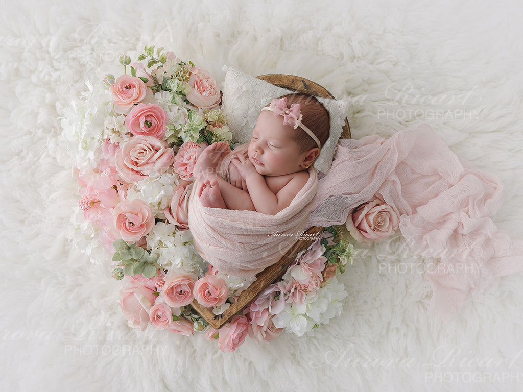 Newborn Digital Backdrop - Pink floral heart