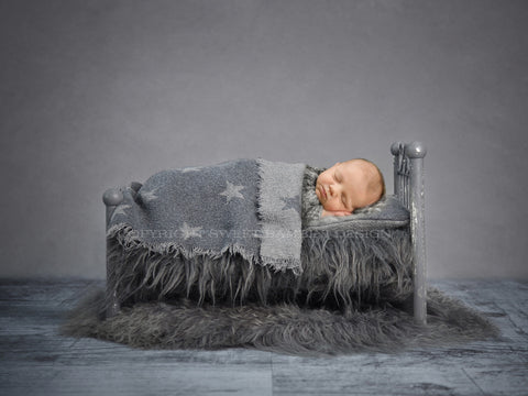 Newborn Digital Background - Little Grey Bed with Covers