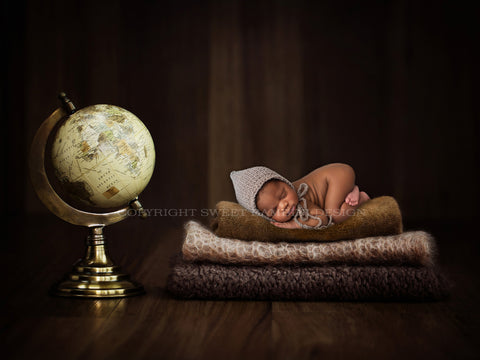 Newborn Photography Digital Backdrop - Globetrotter Baby