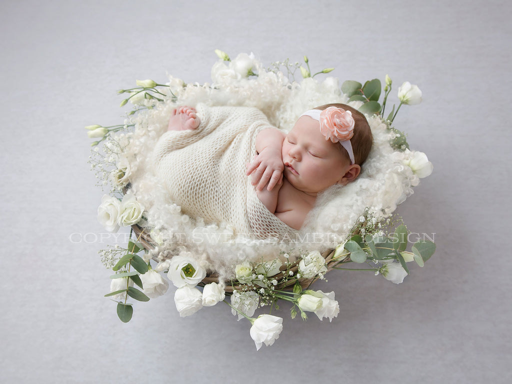 Newborn Digital Backdrop for girls -  Beautiful White Flower Nest, side lit version