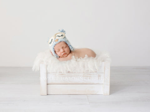Newborn Photography Digital Backdrop for girls or boys - Simple white crate