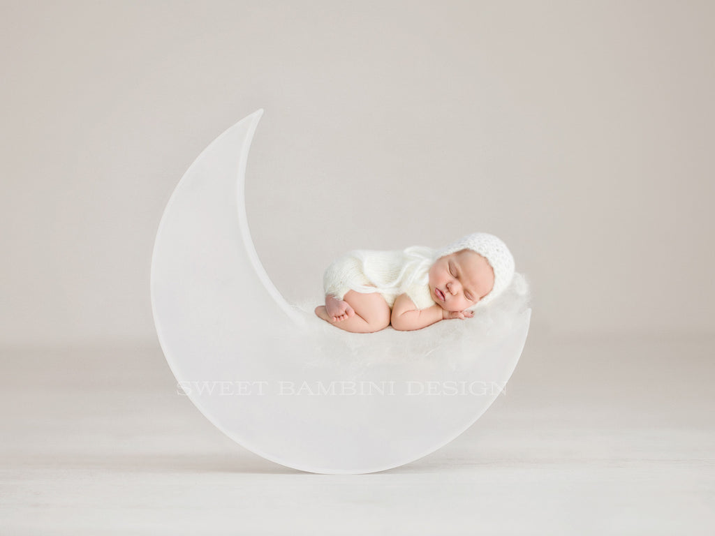 Newborn Photography Digital Backdrop for girls or boys - Simple white moon