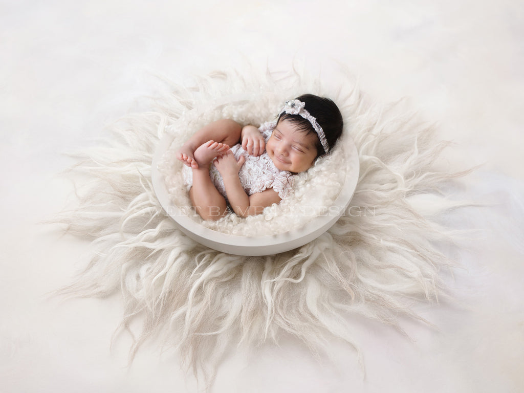 Newborn Digital Backdrop for girls or boys - Simple white nest, side view