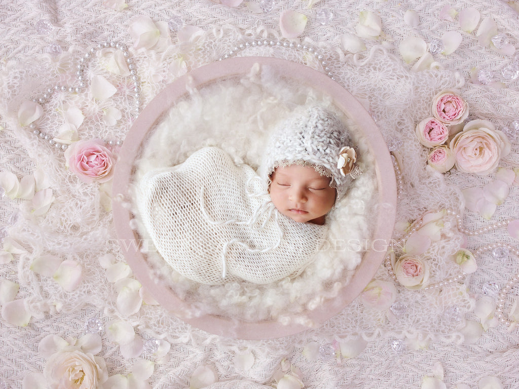 Newborn Digital Backdrop for girls - Vintage creams & pinks