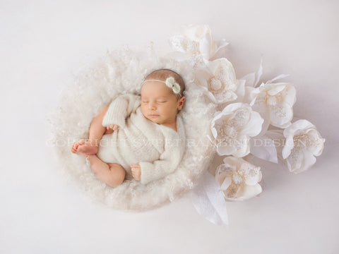 Christmas Digital Backdrop -  Lovely white nest with Christmas flowers