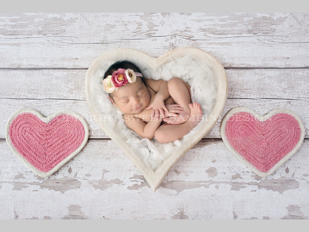 Newborn Digital Backdrop - Simple white heart bowl, with two pink hearts