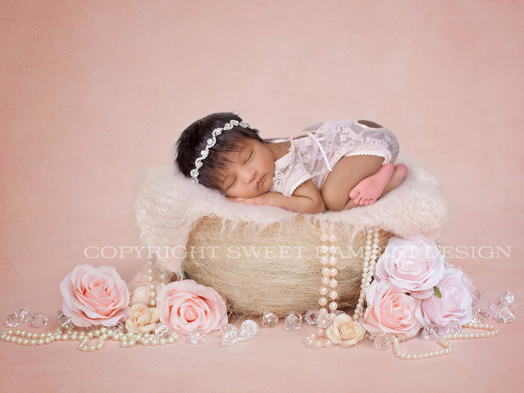 Little Vintage Basket - Newborn Digital Backdrop - Vintage nest with pearls version 2