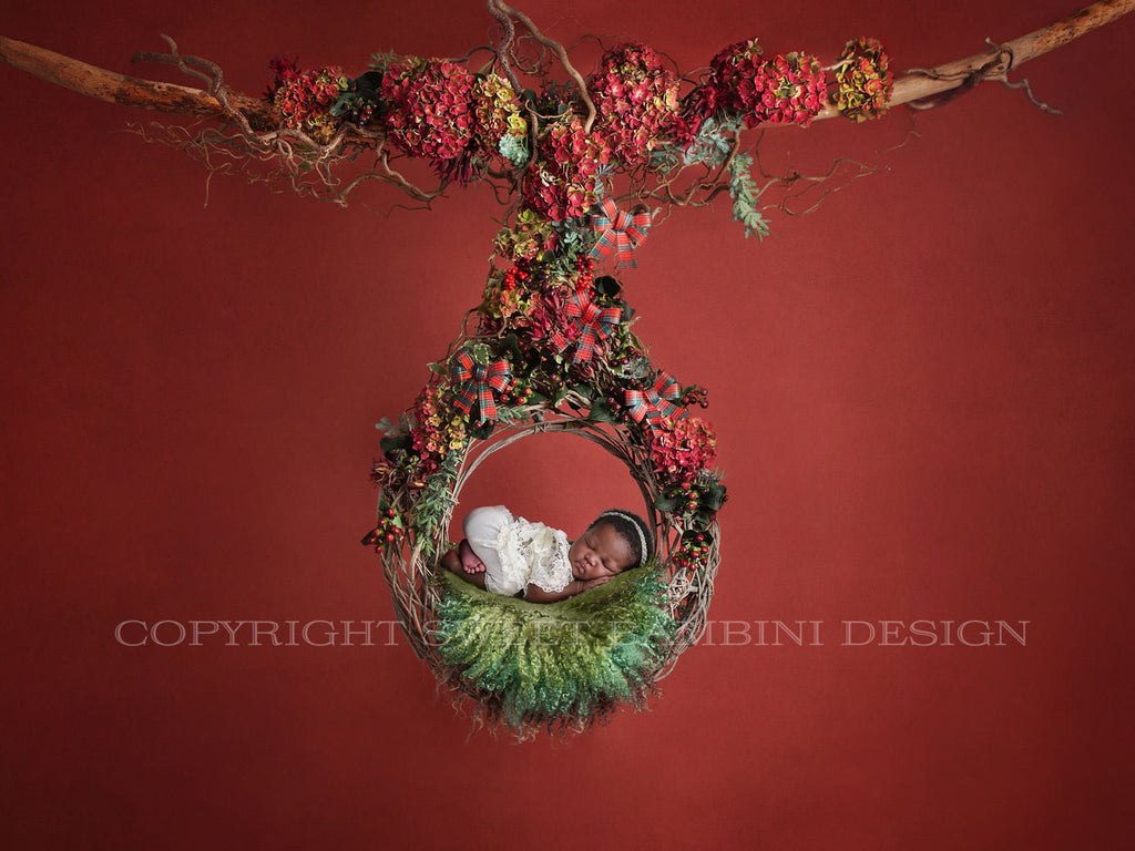 Newborn Digital Backdrop - Hanging Christmas Wreath decorated with fresh florals
