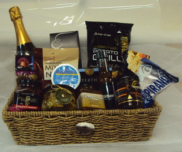 H137 Bubbles and Savoury Gourmet Hamper