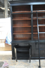 2 Bay black and jarrah timber stain