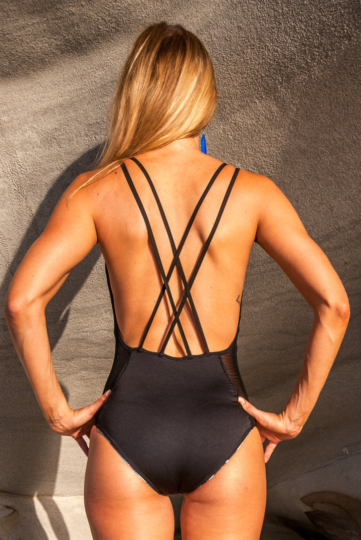 The plunging reversible one-piece
