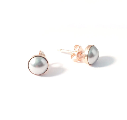Rose gold and grey pearl stud earrings