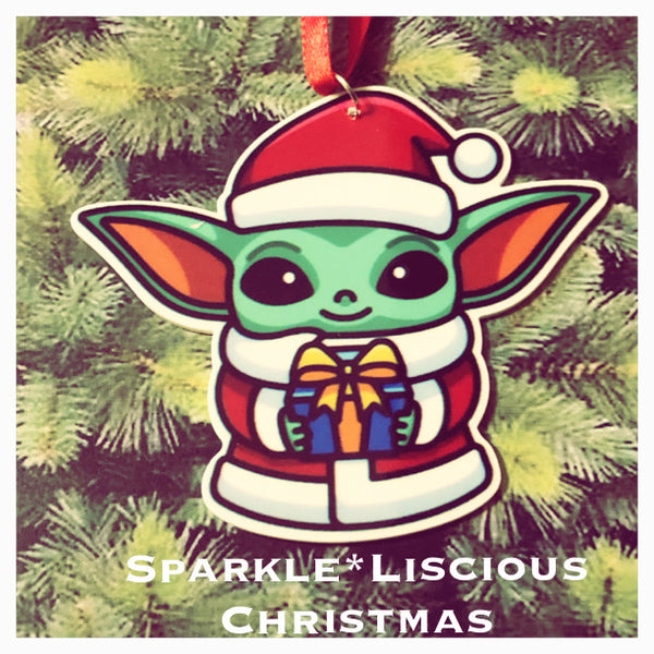 christmas tree decoration - yoda dressed as santa !