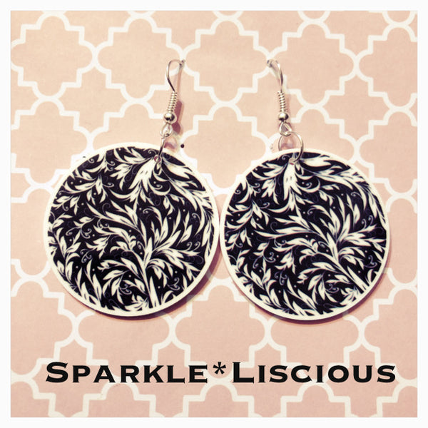 Black and white leaves pattern earrings