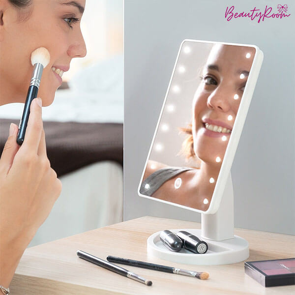 BEAUTYROOM: STOLNO OGLEDALO S LED LAMPICAMA