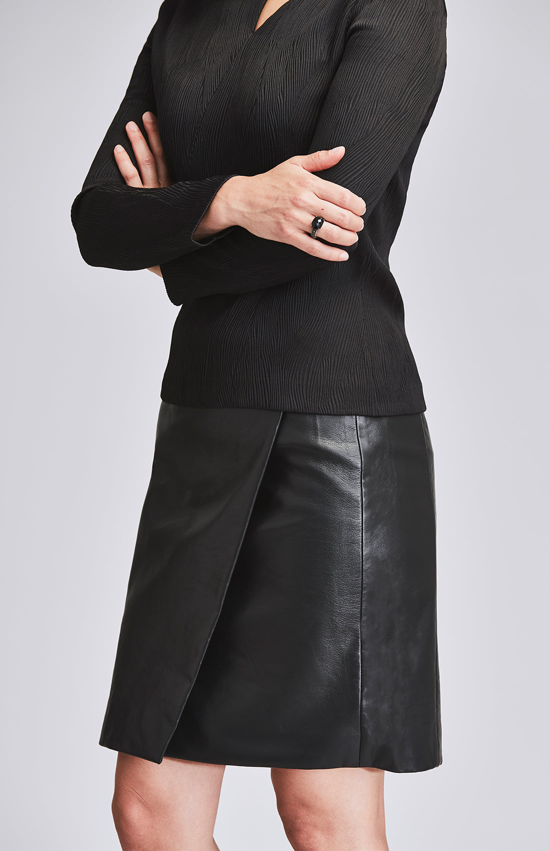ASSIDUOUS DESK-TO-DINNER TOP BLACK