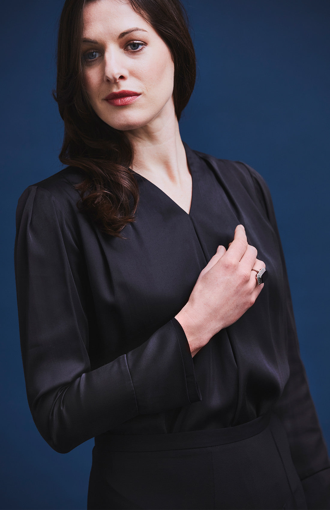 ESTEEM 1 DRAPE DOUBLE-CUFF BLOUSE BLACK