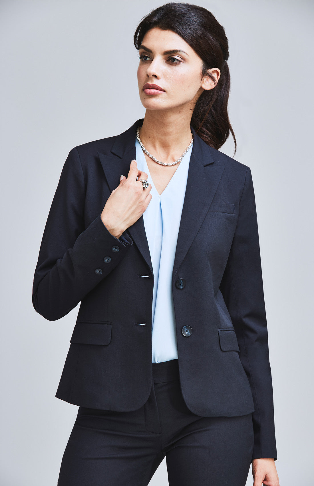 Feminine smart suit jacket for the office navy