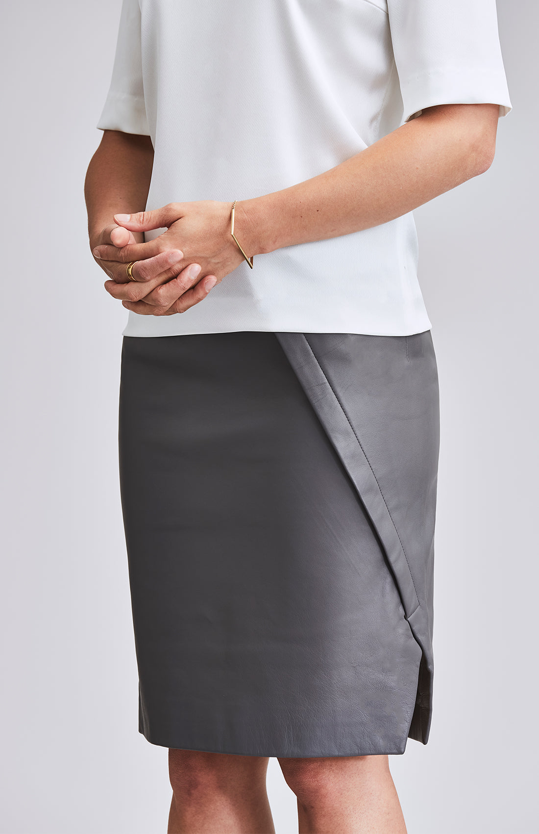 DEFIANT SIDE SPLIT LEATHER PENCIL SKIRT GREY