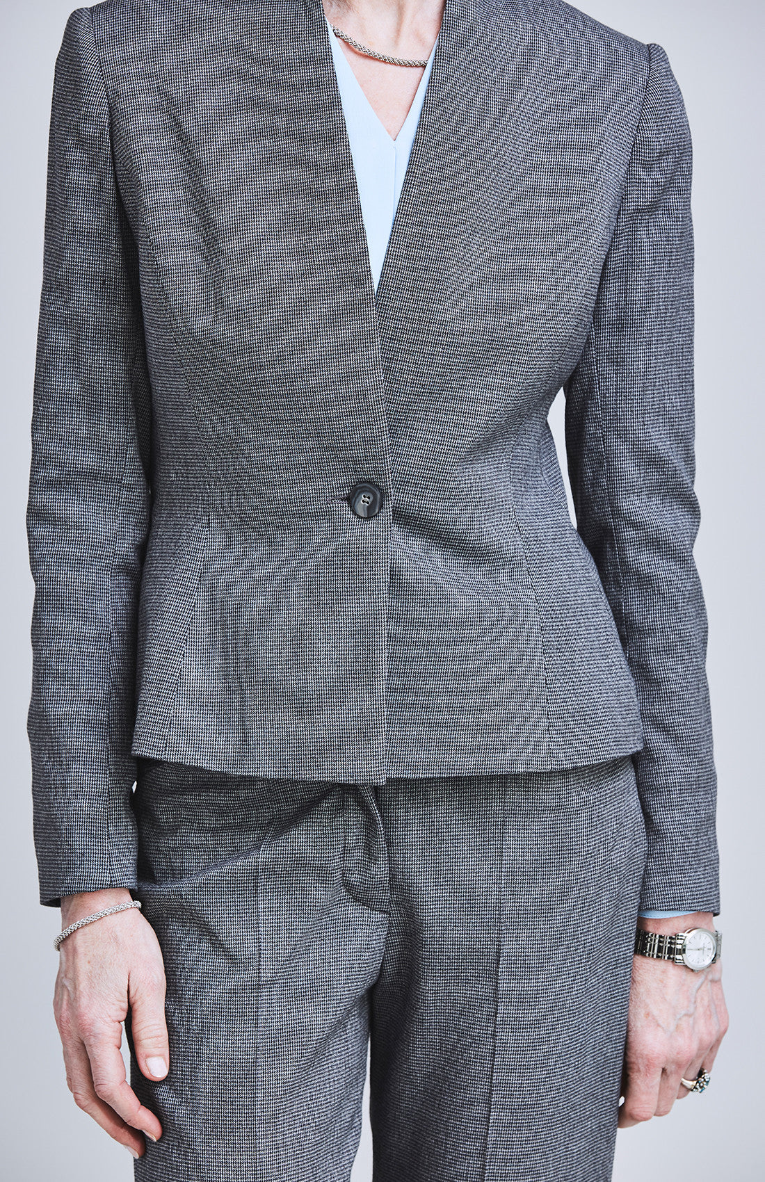 Herringbone feminine tailored fitted suit jacket for the office
