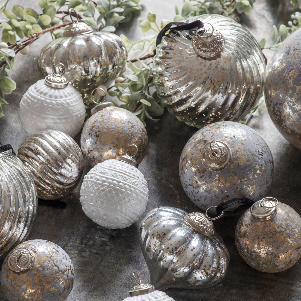 Luxe Silver Fluted Baubles