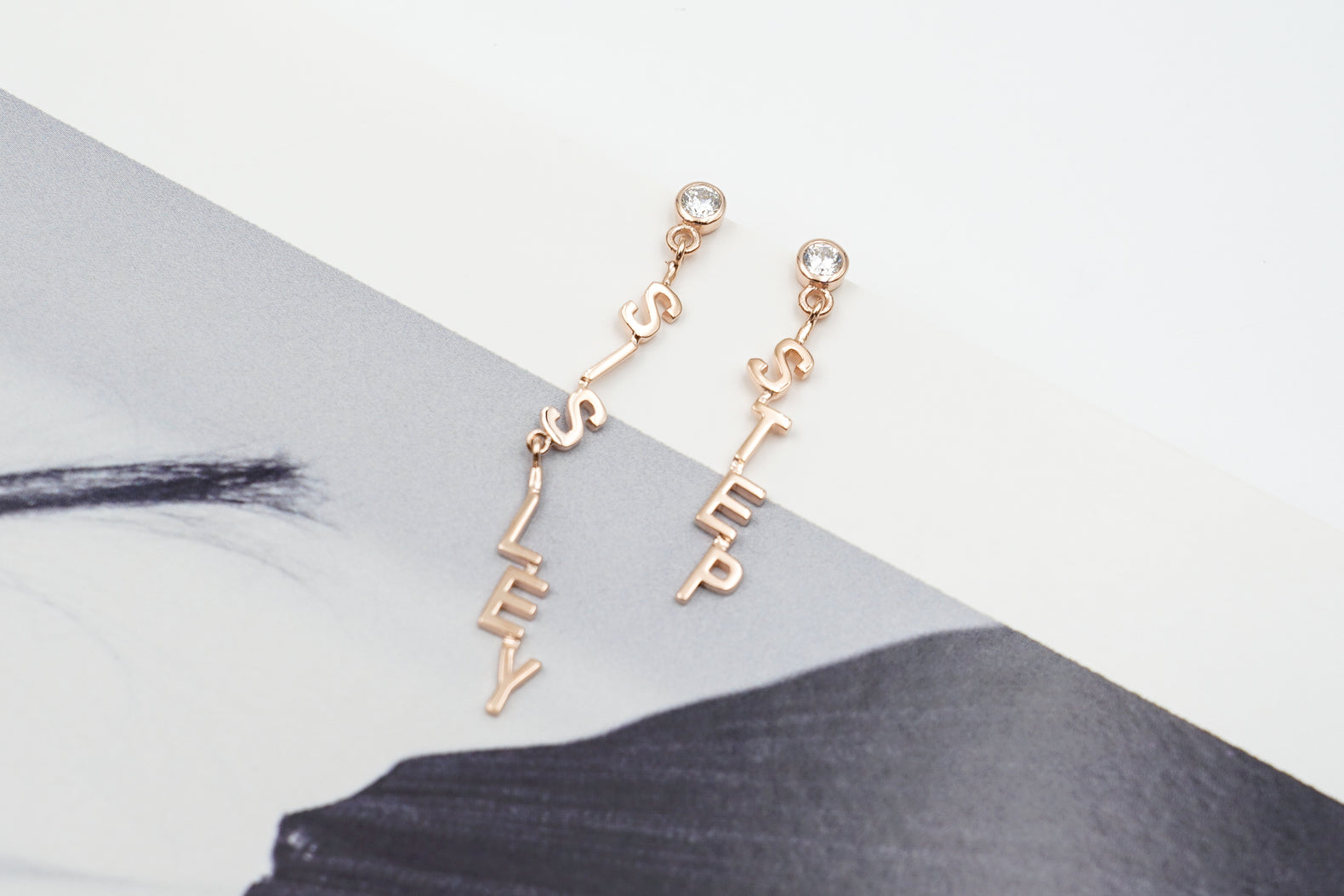 Just Dangling Earring (1 piece)