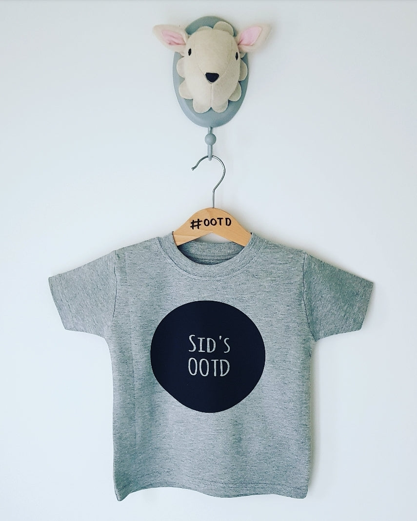 Custom OOTD name tee white or grey
