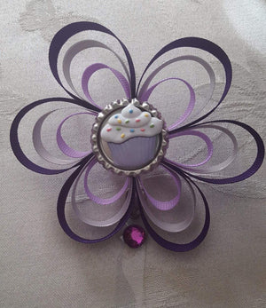Cupcake Loopy Flower Badge