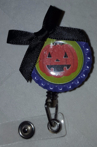 Pumpkin Face Bottle Cap Badge