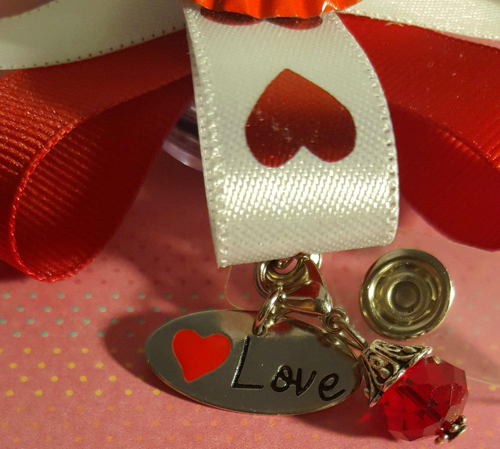 Red Hearts XOXO Valentine's Badge