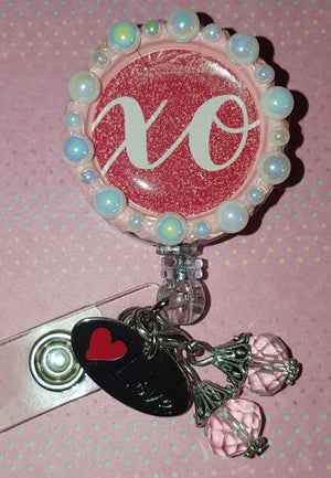 XO Pearl Valentine's Bottle Cap Badge