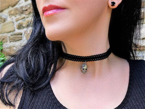 Skull on Lace Choker