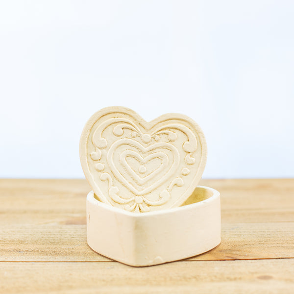 Heart Container with Filagree in White