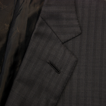 Brioni Carob Brown S180s Wool Striped Vented Pleated Front 2Btn Suit 44R