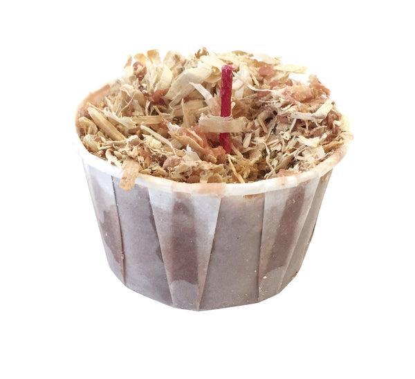 3 ounce cup with wax, wood shavings and a red wick