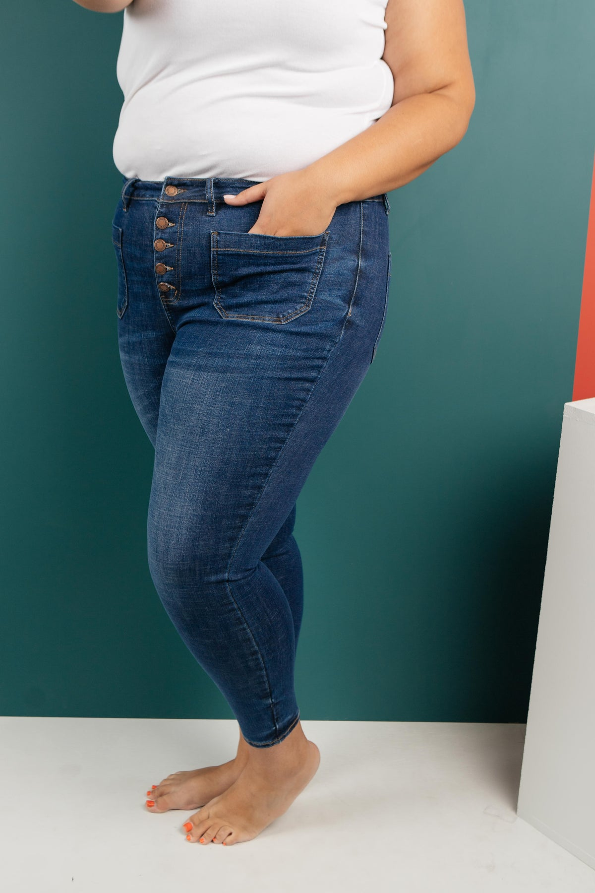 The Unique Pockets Medium Wash Jeans